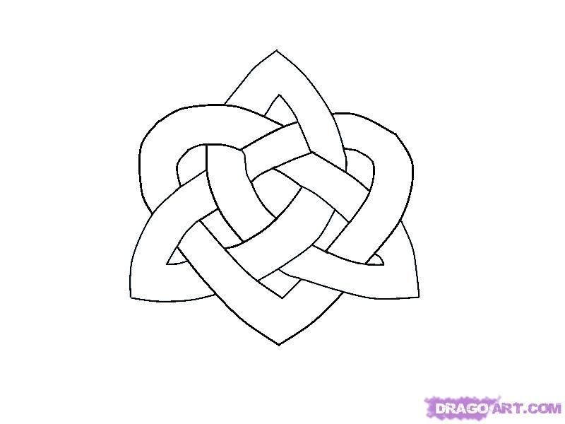 How to draw the Celtic Heart hub with a pencil step by step